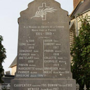 La mémoire de Jean Boulogne a été réhabilitée en inscrivant son nom sur la stèle commémorative  (en bas à gauche)